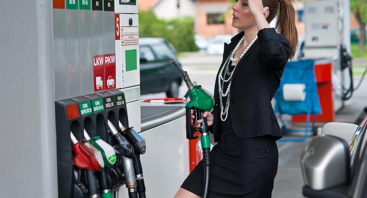 Цены на бензин в Украине пойдут вверх: В Кабмине повысили граничную стоимость