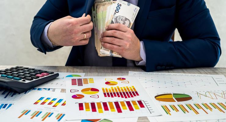 Сколько зарабатывают главы обладминистраций: Инфографика