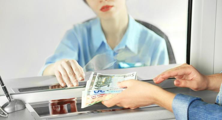 Курс валют на 26.07.2021: Евро покатился вниз