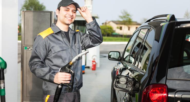 Цены на бензин в Украине падаю после публикации новой предельной стоимости
