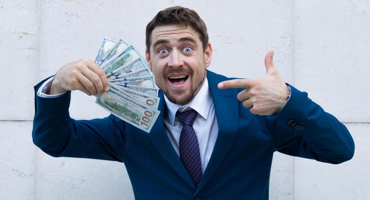 Средняя зарплата в Украине превысила $500 — впервые в истории
