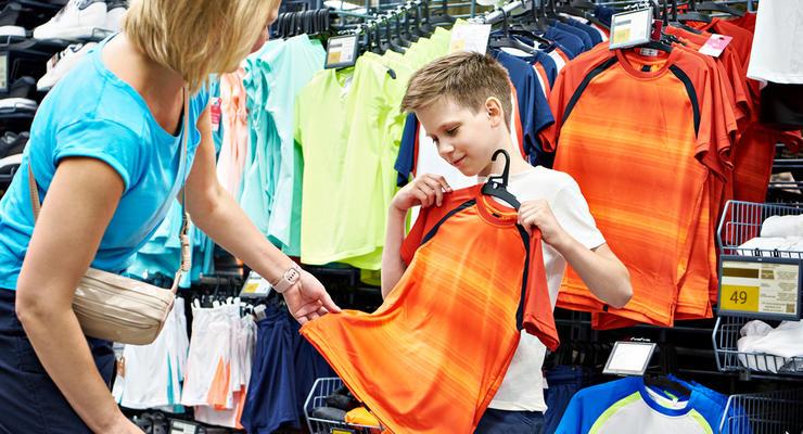 Цены на обувь и одежду резко поднимутся: продавцы назвали причины подорожания