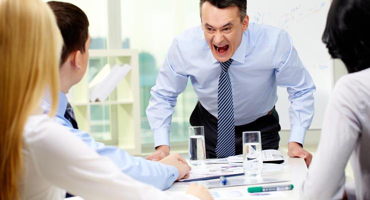 Компания по трудоустройству за рубежом потеряла лицензию, — Минэкономики