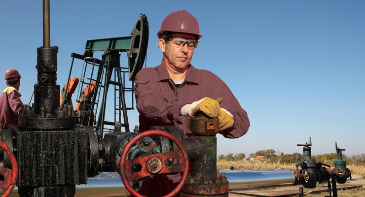 Цены на нефть 4.08.2021: Топливо продолжает дешеветь