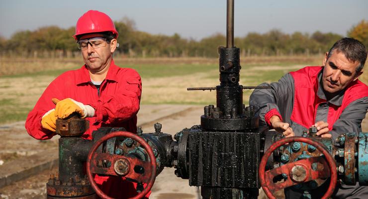 Цены на нефть 5.08.2021: Топливо начало дорожать