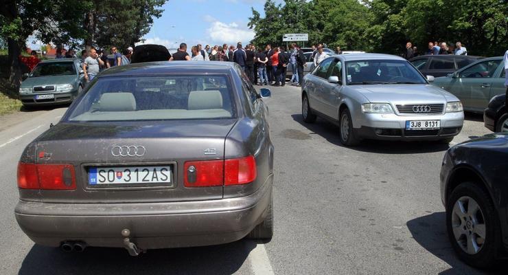 Украинцы массово скупают б/у авто за границей: топ-5 марок
