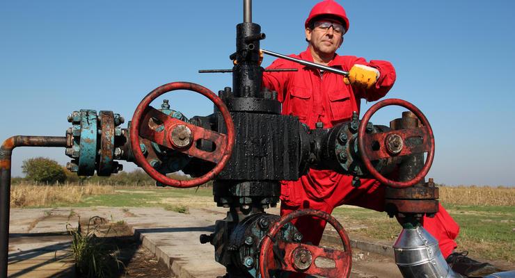 Цены на нефть 12.08.2021: Стоимость топлива растет