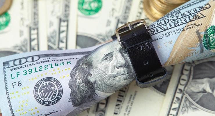 Курс доллара в Украине стремительно падает: в Нацбанке объяснили причины