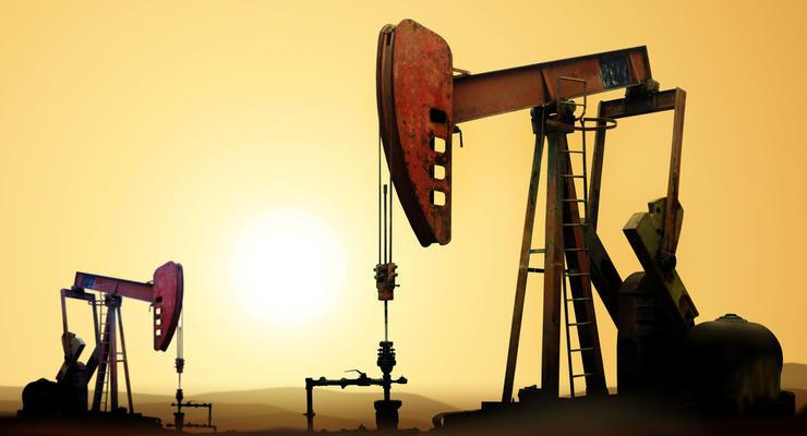 Цены на нефть 16.08.2021: Стоимость топлива снижается