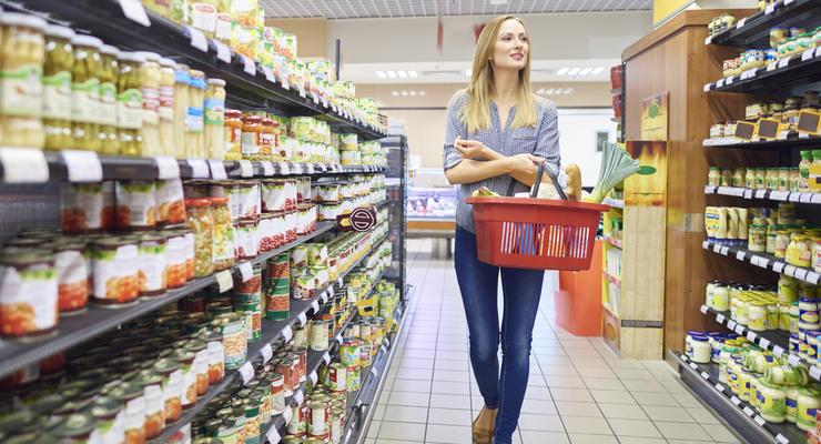 Еда и коммуналка: на что украинцы тратят большую часть зарплаты