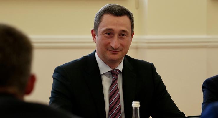 Министр Чернышов пытается уйти с поста до начала отопительного сезона - СМИ