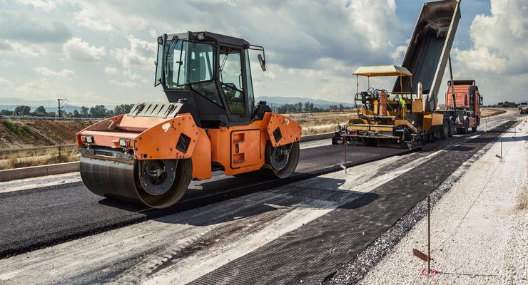 "Строительство дорог в Украине: ""Укравтодор"" взял почти $400 млн кредита"