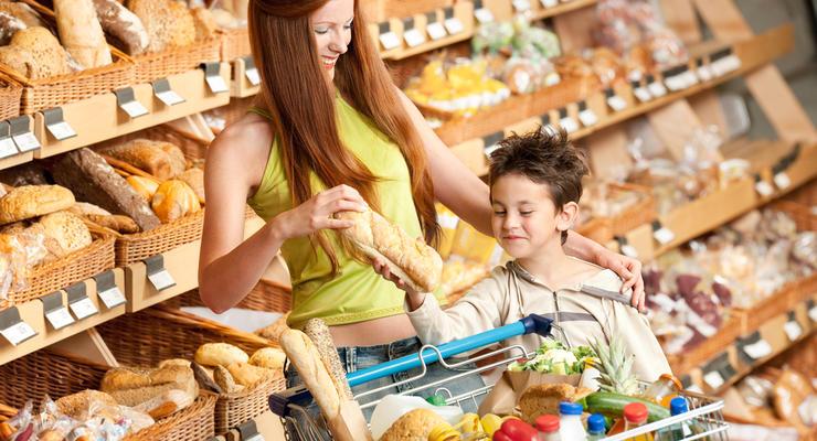 Цены на хлеб и сахар в Украине поднимутся: эксперт рассказал, когда и на сколько