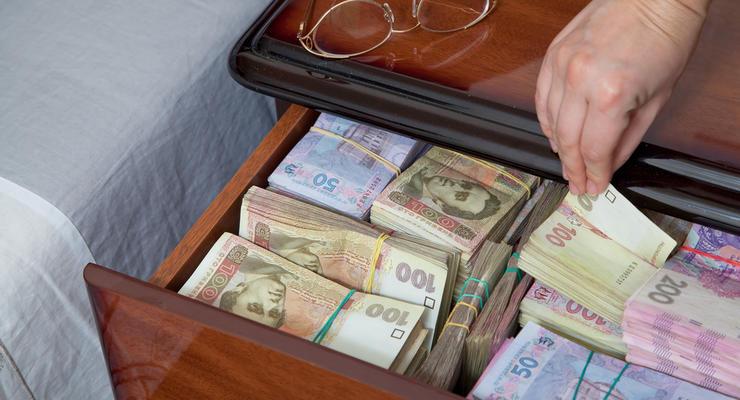 """Сколько денег у украинцев """"на руках"""": данные НБУ"""