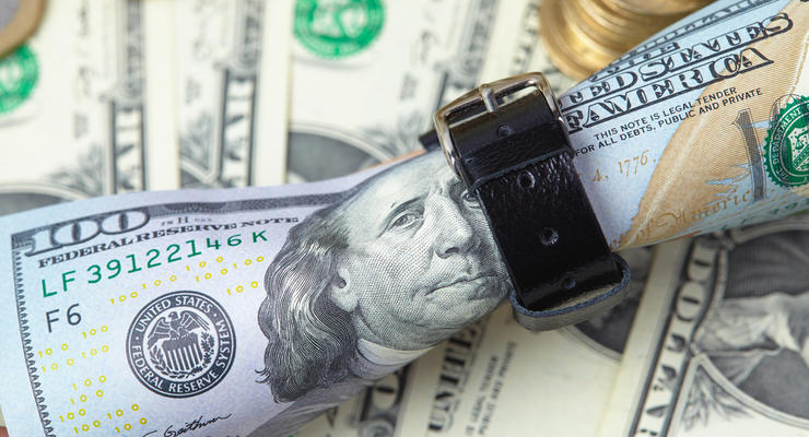 Курс доллара в Украине: в НБУ объяснили, почему дешевеет валюта