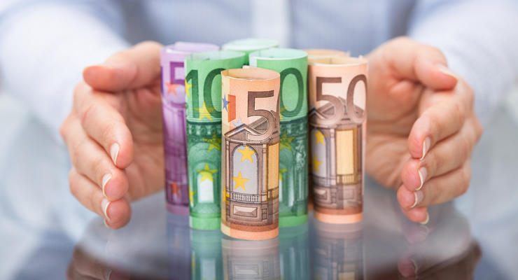 Курс валют на 17.09.2021: Евро упал в цене