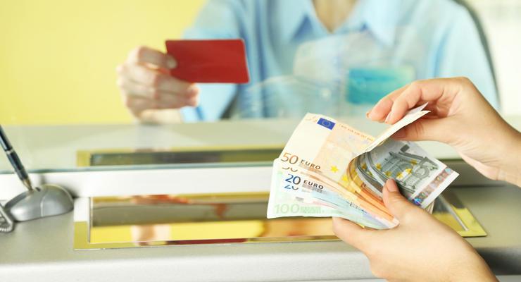 Курс валют на 4.10.2021: Евро начал дорожать