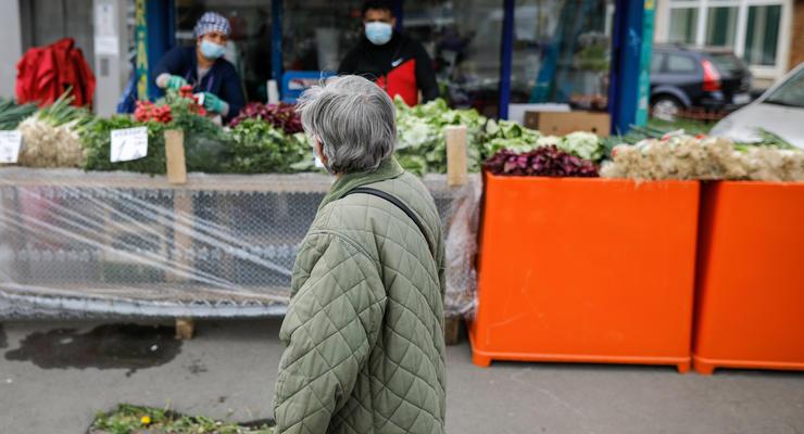 Украинцы экономят на еде и одежде из-за сильного роста цен - соцопрос