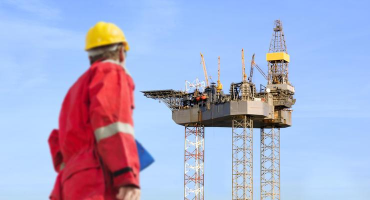 Цены на нефть 13.10.2021: Стоимость начала снижаться